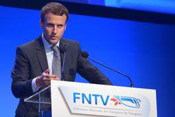Emmanuel Macron fékk það hlutverk frá Francois Hollande forseta, að knýja fram efnahagslegar umbætur og …