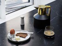 Kaffikönnurnar vinsælu frá Normann Copenhagen, nú fáanlegar í glamúrútgáfu.