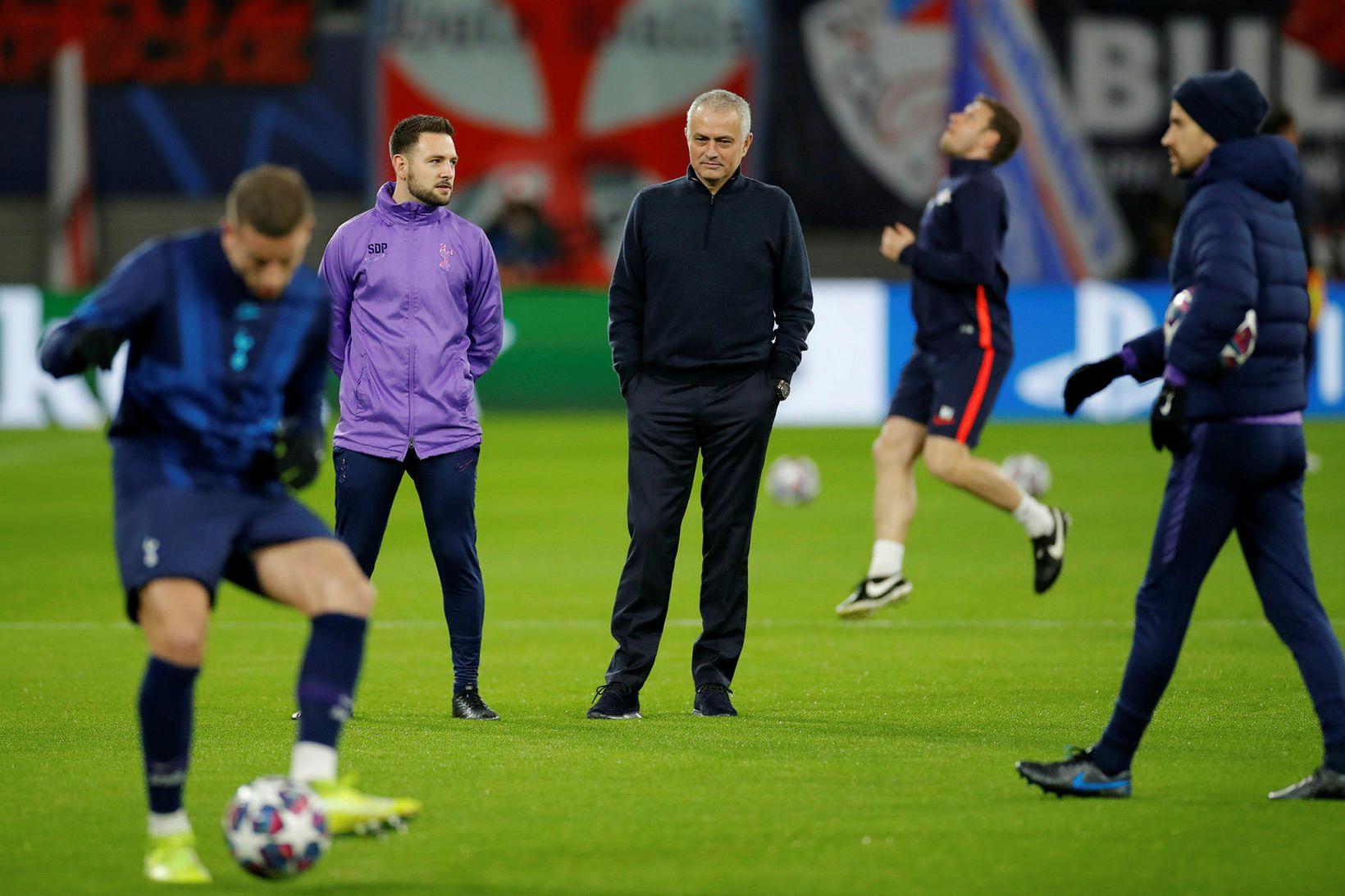 José Mourinho reynir eins og aðrir knattspyrnustjórar að halda sínum …