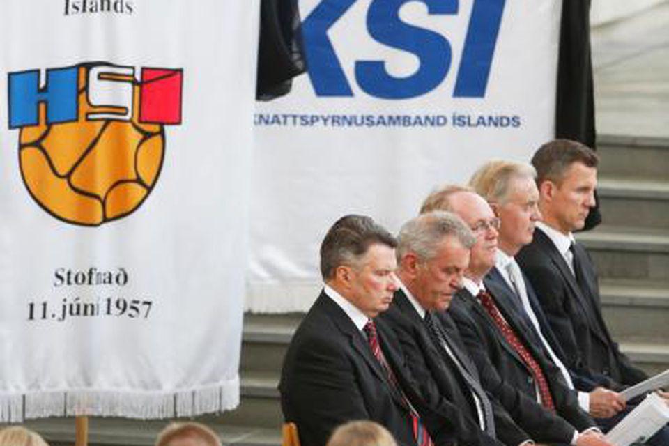Nokkrir af bestu vinum Hermanns við útförina í dag.