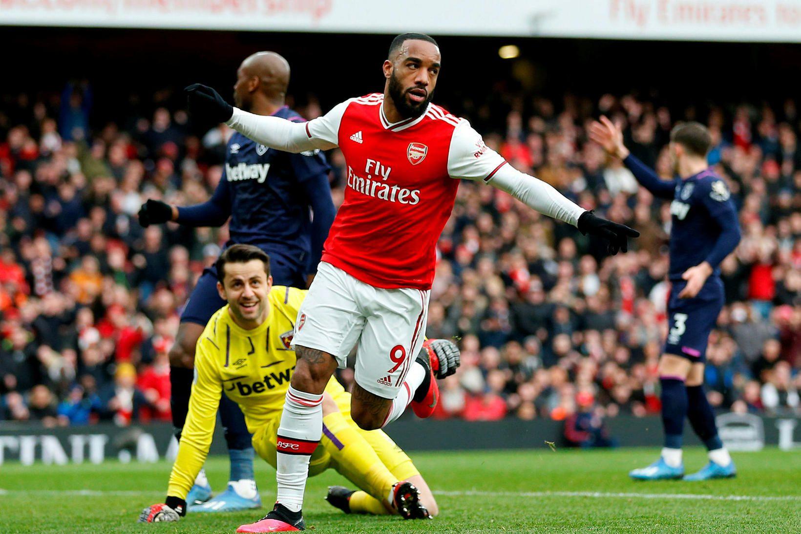 Alexandre Lacazette fagnar marki fyrir Arsenal gegn West Ham á …