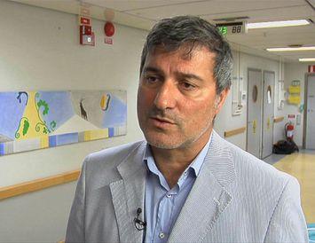 Tvær vísindagreinar eftir Paolo Macchiarini hafa nú verið formlega dregnar tilbaka .