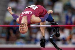 Hinn einfætti Sam Grewe vippar sér yfir 1,88 metra í Tókýó.