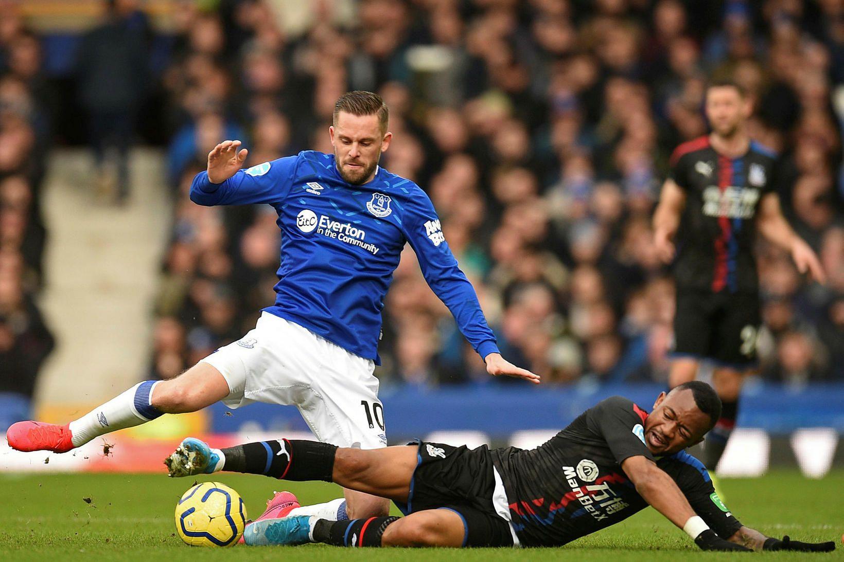 Gylfi Þór Sigurðsson í leik með Everton.