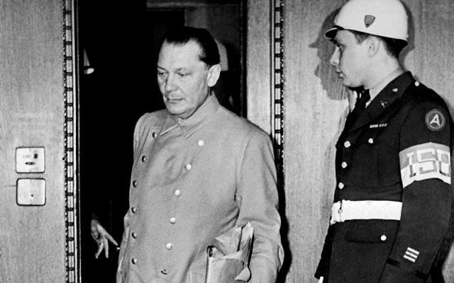 Hermann Göring við Nürnberg-réttarhöldin.