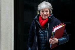 Theresa May vill að farið verði í saumana á málinu.