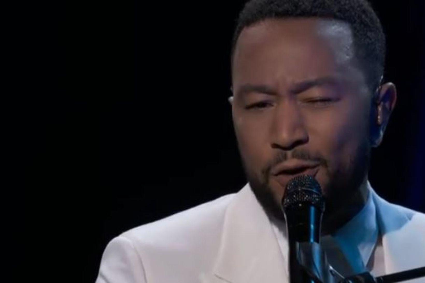 John Legend kom fram á Billboard-tónlistarverðlaunahátíðinni en stutt er síðan …