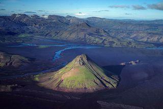 Mælifell er á því vatnasviði Hólmsár, ofan Einhyrnings, sem lagt er til að verði friðað ...