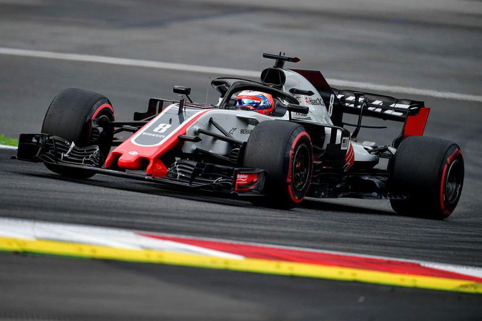 Romain Grosjean á ferð á Haasbílnum í Spielberg.