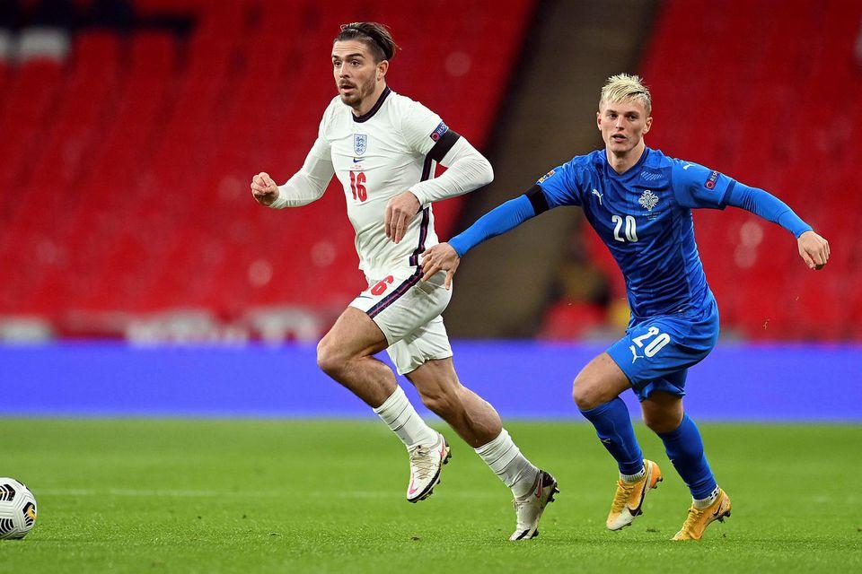 Jack Grealish og Albert Guðmundsson eigast við á Wembley í kvöld.
