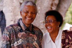 Nelson Mandela ásamt eiginkonu sinni Graca Machel