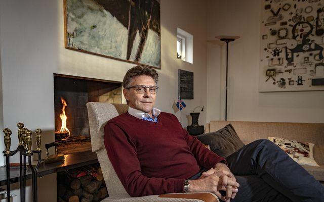 Gunnar Einarsson bæjarstjóri í Garðabæ er mikið fyrir jólin.