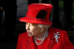 Elísabet drottning í jólaskapi.