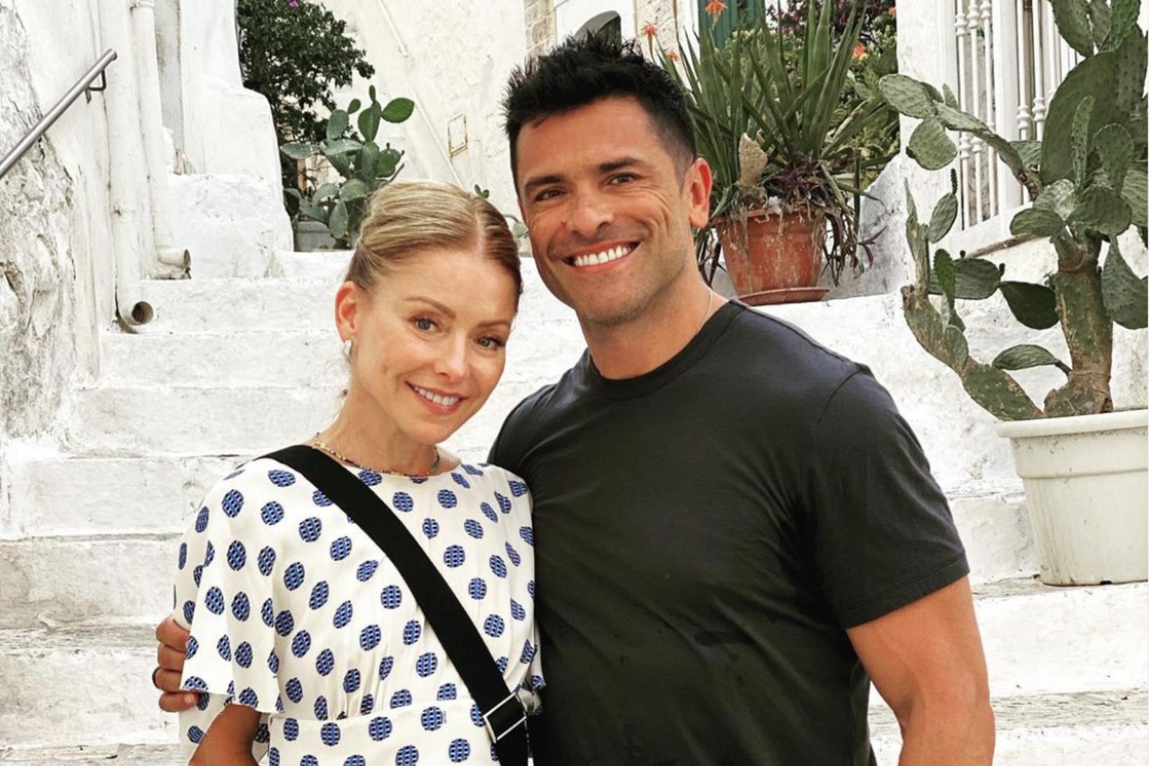 Kelly Ripa og Mark Consuelos hafa verið gift í aldarfjórðung …