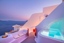 Það er hægt að leigja glæsilegar villur á Santorini á Airbnb.