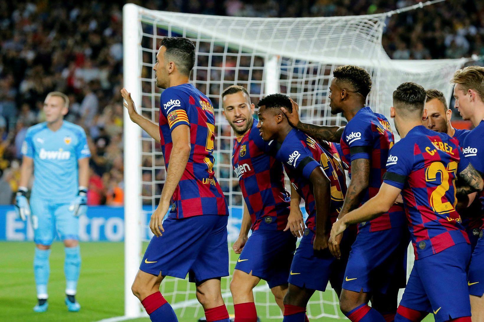 Leikmenn Barcelona fagna marki.