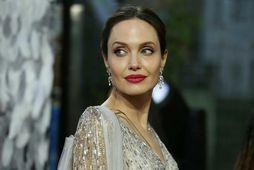 Angelina Jolie tjáir sig um skilnaðinn.
