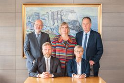 Peningastefnunefnd Seðlabanka Íslands: Ásgeir Jónsson, formaður, Rannveig Sigurðardóttir, Þórarinn G. Pétursson, Katrín Ólafsdóttir og Gylfi …