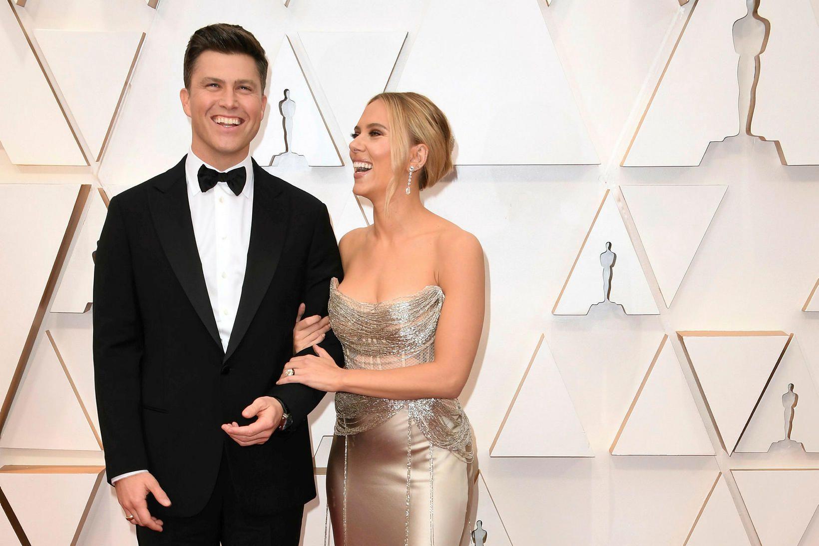 Scarlett Johansson og Colin Jost eru gengin í það heilaga.