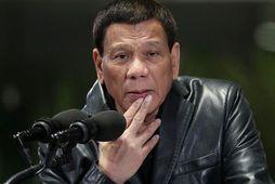 Rodrigo Duterte forseti Filippseyja. Bandamenn hans unnu stórsigur í síðustu þingkosningum sem mun gera forsetanum ...