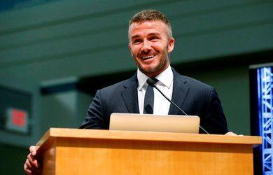 Beckham verðlaunaður af UEFA
