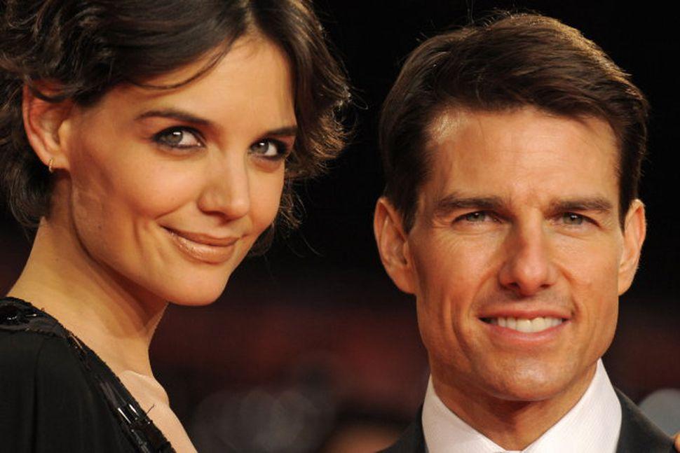 Tom Cruise er minni en Katie Holmes.