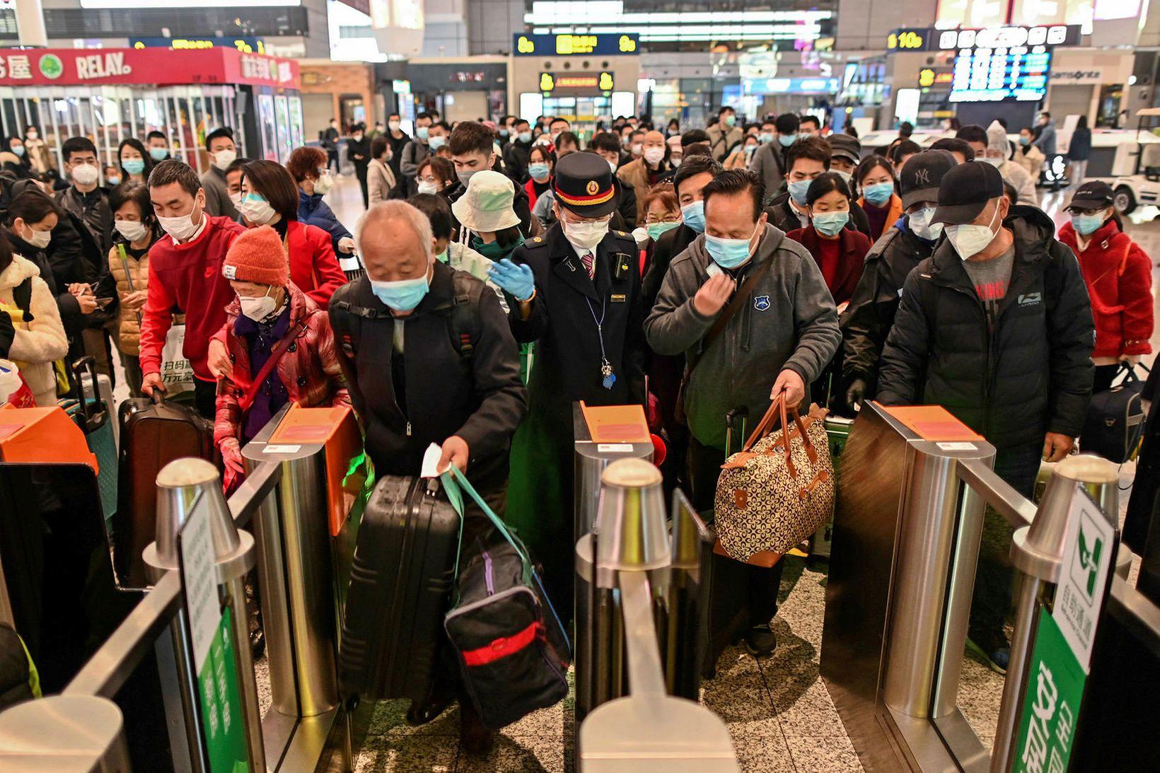 Íbúar snúa aftur til Wuhan í dag.
