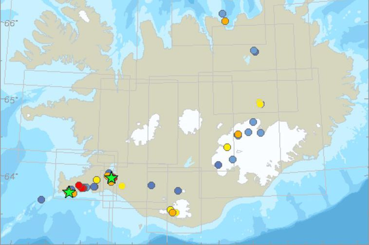 The green stars denote a quake of magnitude 3 or more. The dots indicate tremors, ...