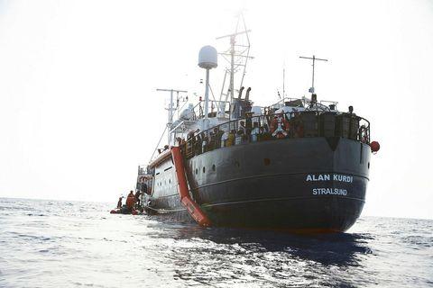 Alan Kurdi er væntanlegt til Líbíu fyrir helgina.