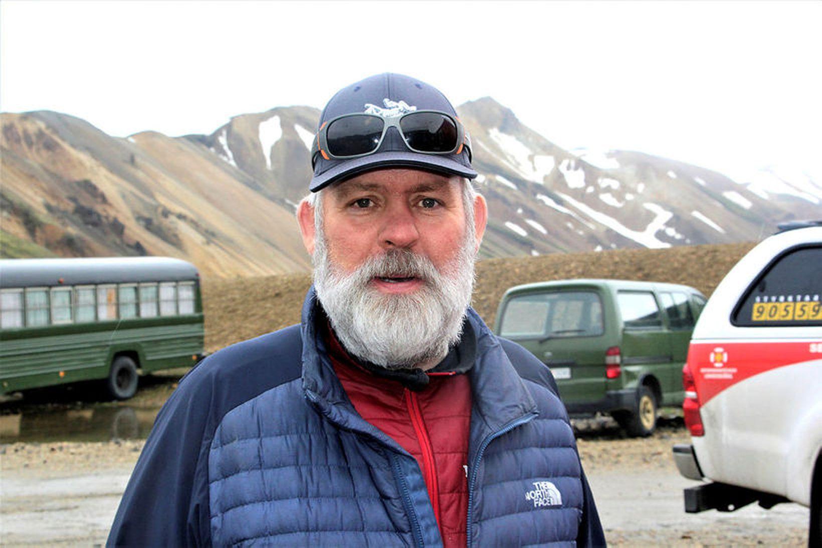 Jónas Guðmundsson aðstoðar fólk í neyð á hálendinu.