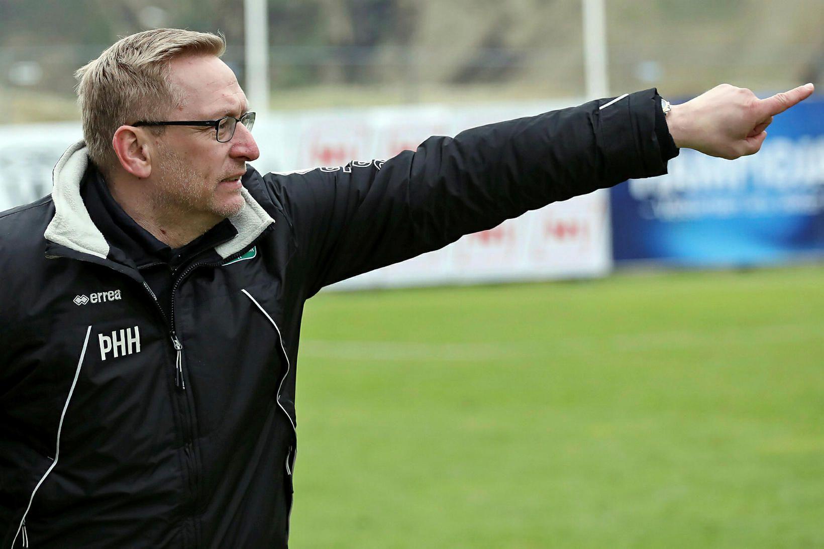 Þorsteinn Halldórsson, þjálfari íslenska kvennalandsliðsins.