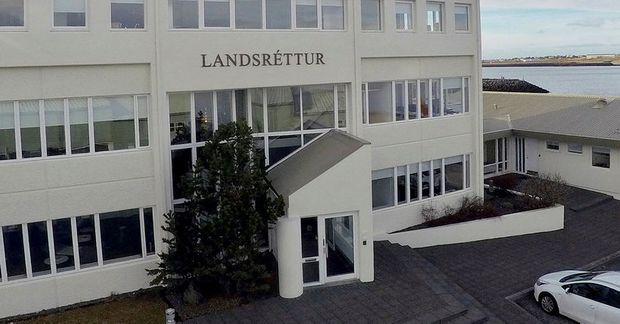 Munnlegur málflutningur í landsréttarmálinu fyrir yfirdeild Mannréttindadómstóls Evrópu verður 5. febrúar 2020.