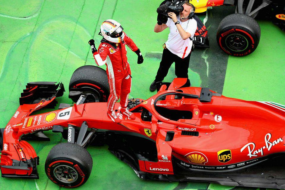 Sebastian Vettel fagnar sigrinum í Montreal.