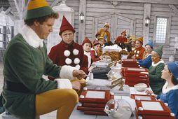Will Ferrell með álfum í Elf.