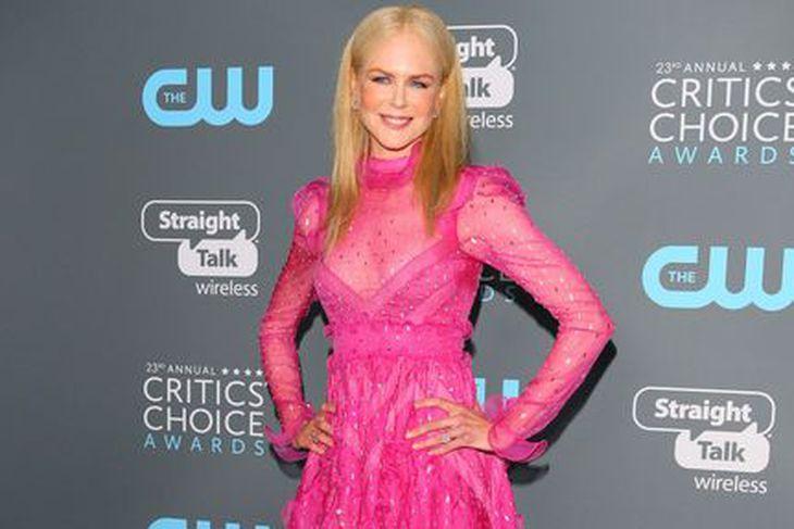 Nicole Kidman geilsaði í bleiku.