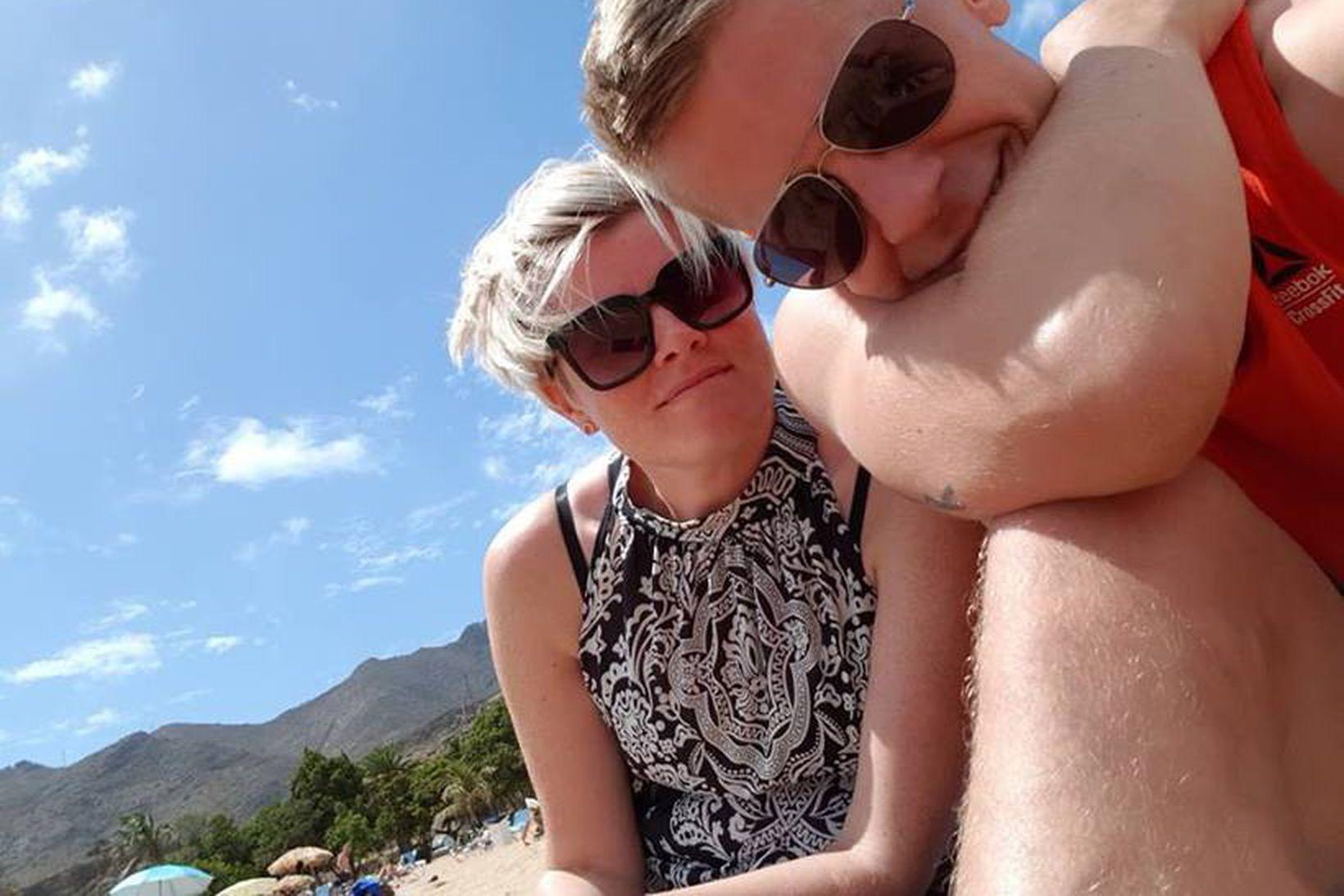 Jóhanna og Svali eru búsett á Tenerife.