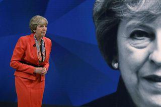 Theresa May, forsætisráðherra Bretlands, í kosningaþætti í bresku sjónvarpi í kvöld. Skoðanakannanir benda til þess ...