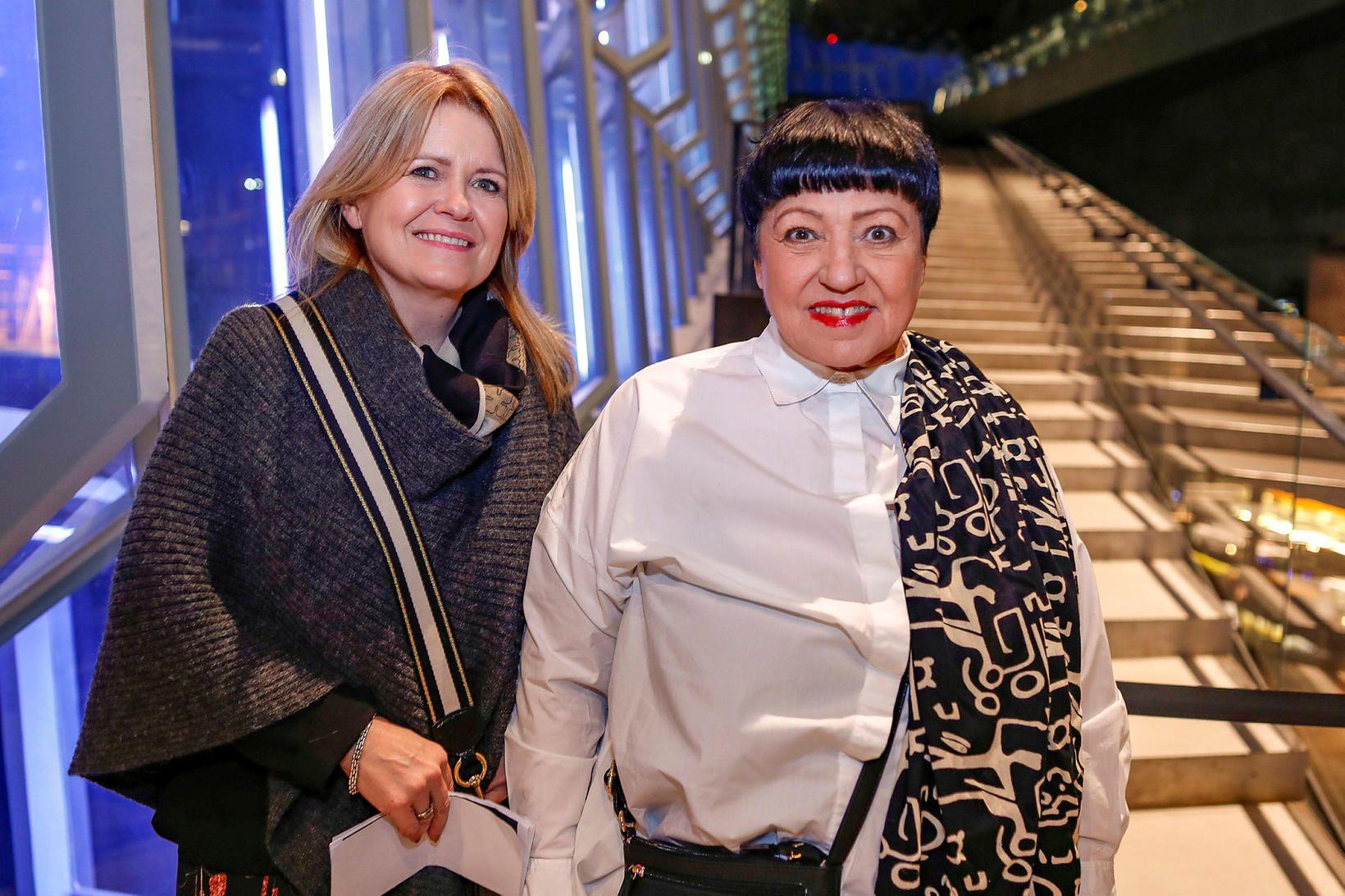 Friðrikka Harðardóttir og Dóra Einarsdóttir.