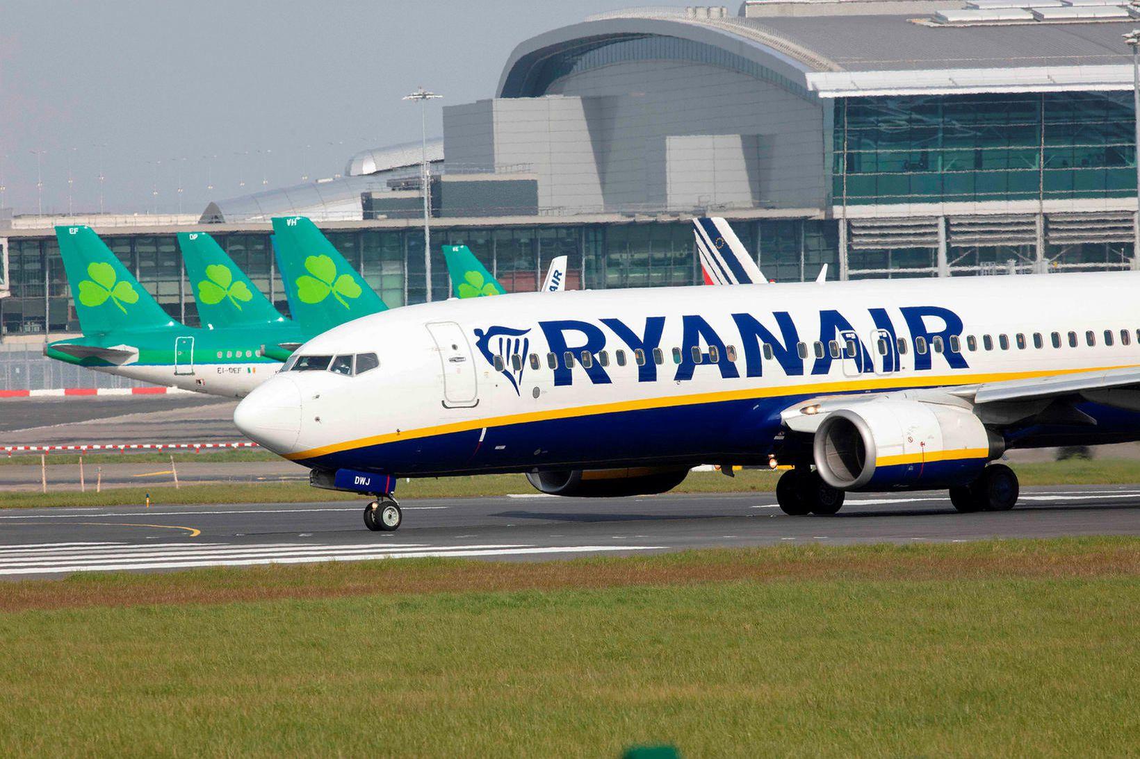 Ryanair hefur tilkynnt um að félagið muni fljúga að nýju.