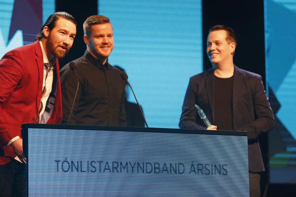 Hljómsveitin Úlfur Úlfur og leikstjórinn Magnús Leifsson hlutu verðlaun fyrir besta tónlistarmyndband ársins.