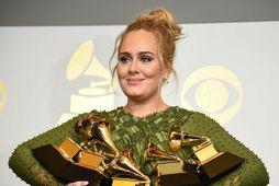 Adele stýrir Saturday Night Live á laugardagskvöldið næsta.