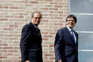 Carles Puigdemont og Quim Torra, núverandi forseti Katalóníu, í Brussel í dag.