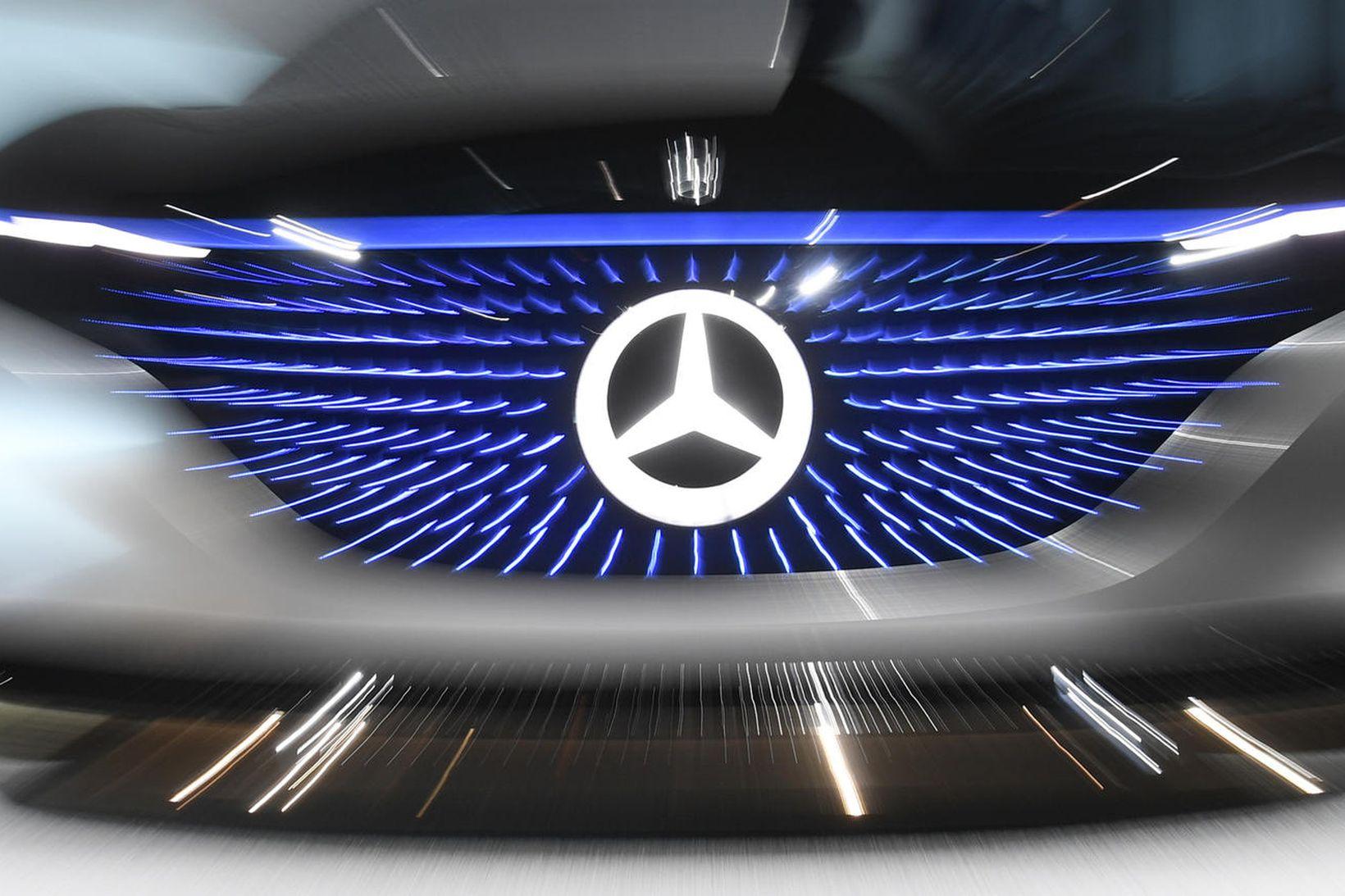 Daimler hefur fallist á að borga 300 milljarða vegna dísilfúsks …