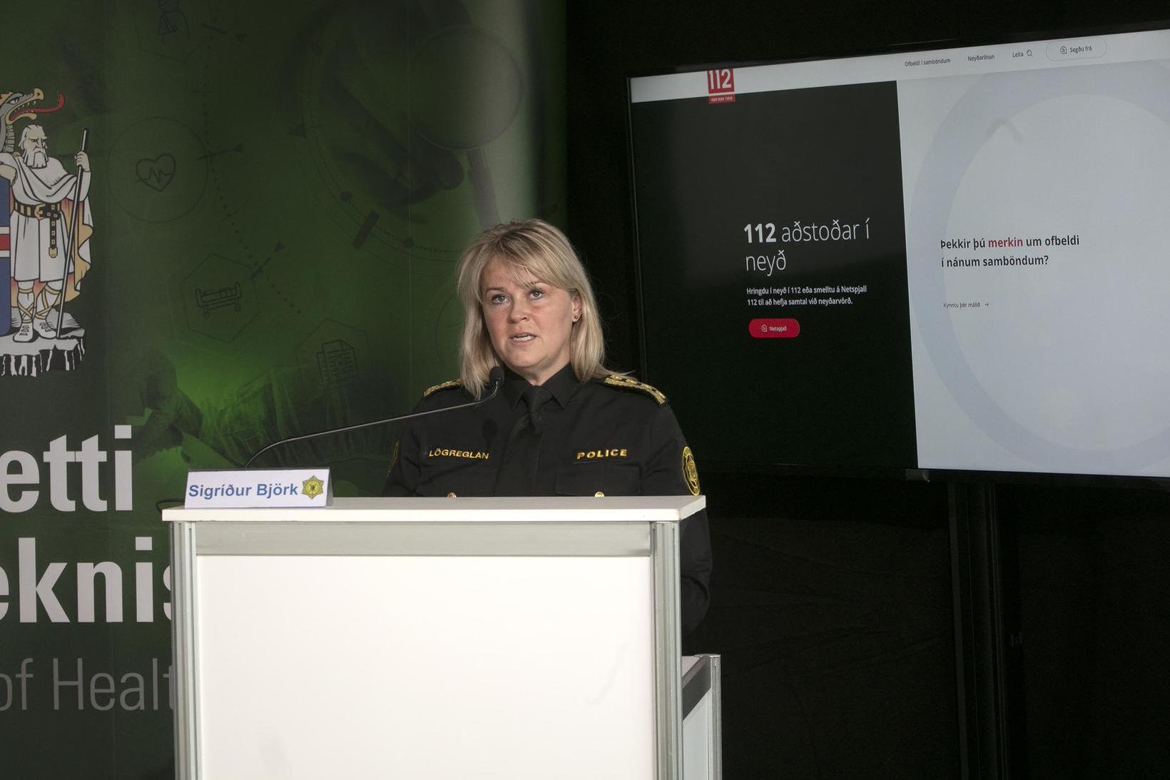 Sigríður Björk Guðjónsdóttir ríkislögreglustjóri á upplýsingafundinum í morgun.