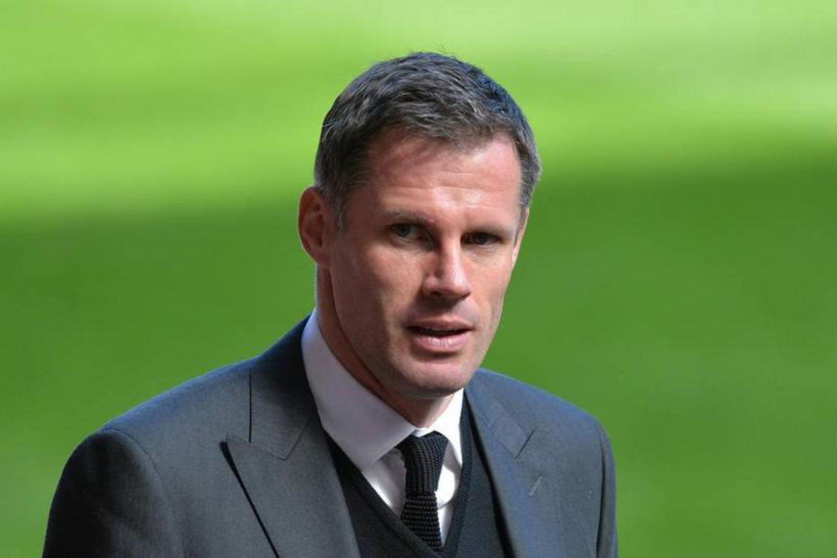 Jamie Carragher starfar sem sparkspekingur hjá Sky Sports í dag.