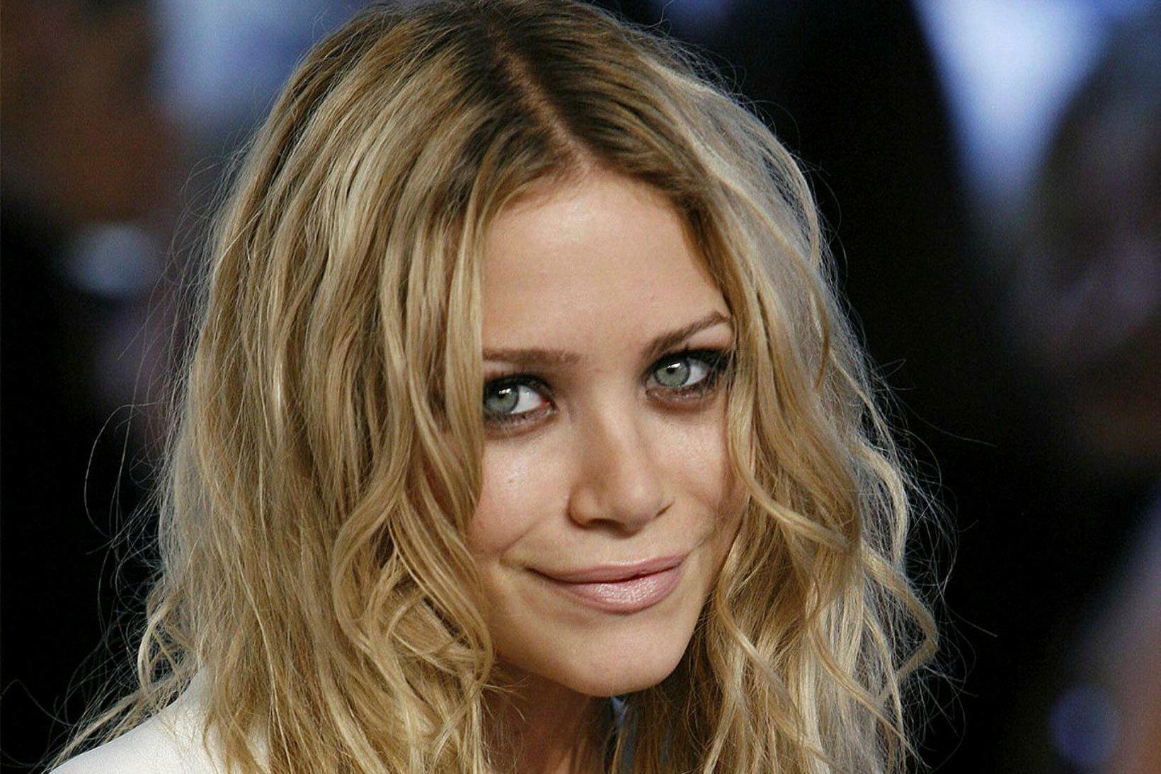 Mary-Kate Olsen fær ekki að sækja um skilnað vegna kórónuveirunnar.