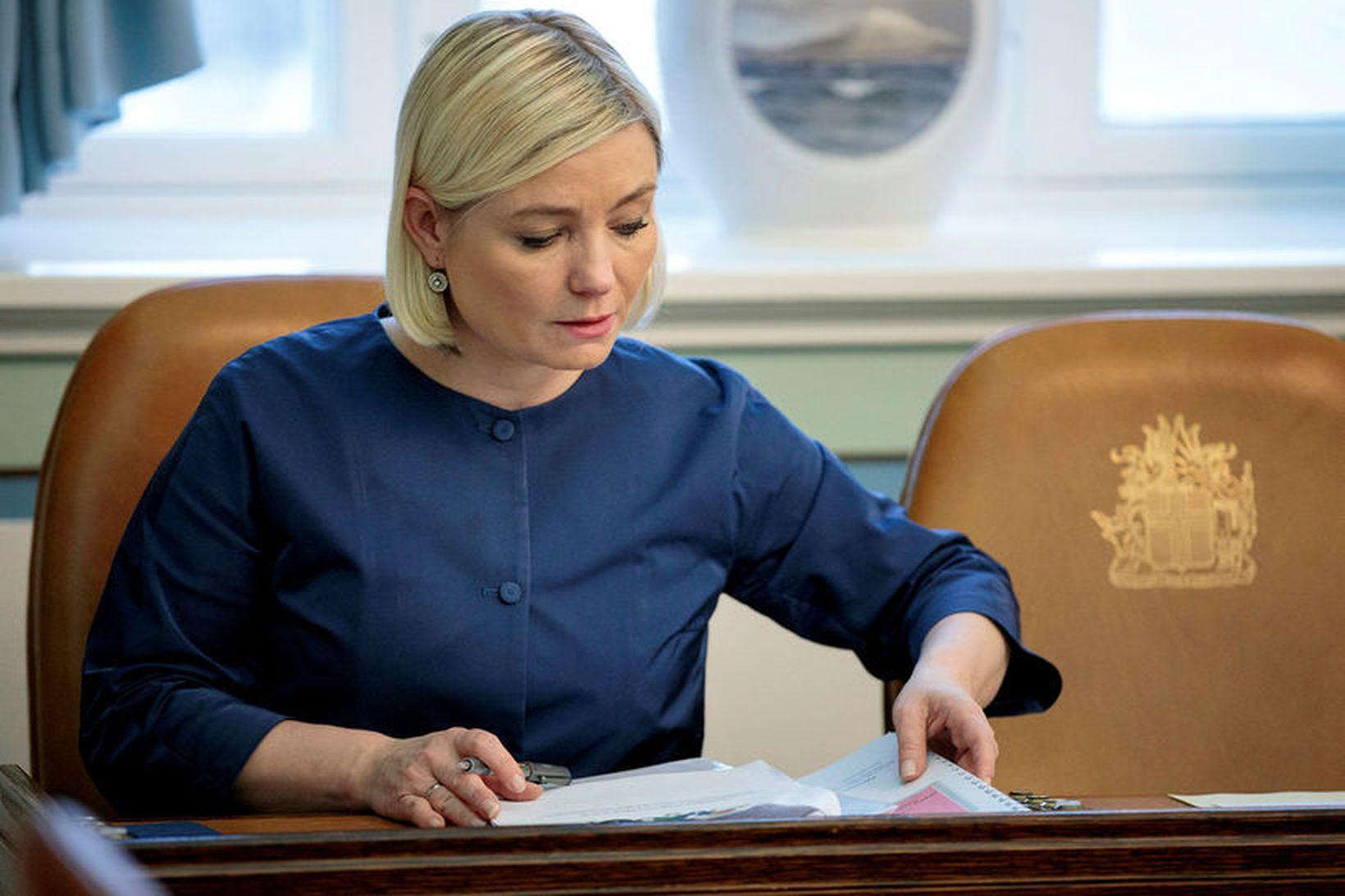 Lilja Alfreðsdóttir mennta- og menningarmálaráðherra er spennt fyrir nýjum dómsmálaráðherra …