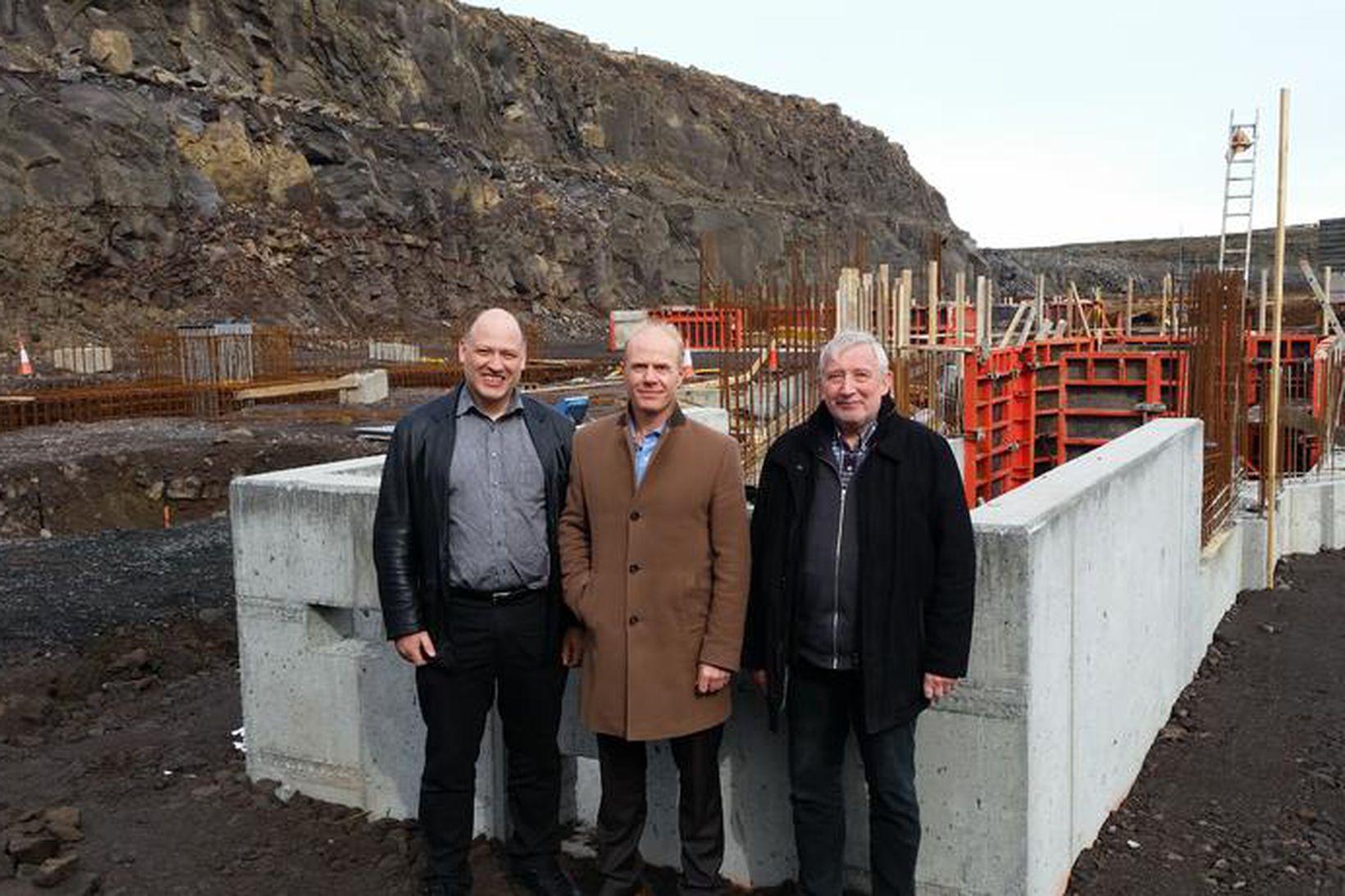 Þórður Magnússon, Magnús Garðarsson og Helgi Þórhallsson.