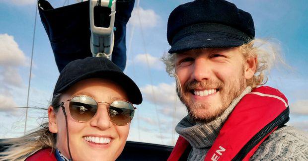 Oddný Sunna Davíðsdóttir og Sondre Jørgensen eru stödd á Kanaríeyjum og stefna á að sigla …