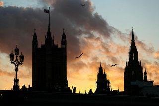 Breska þinghúsið í London.